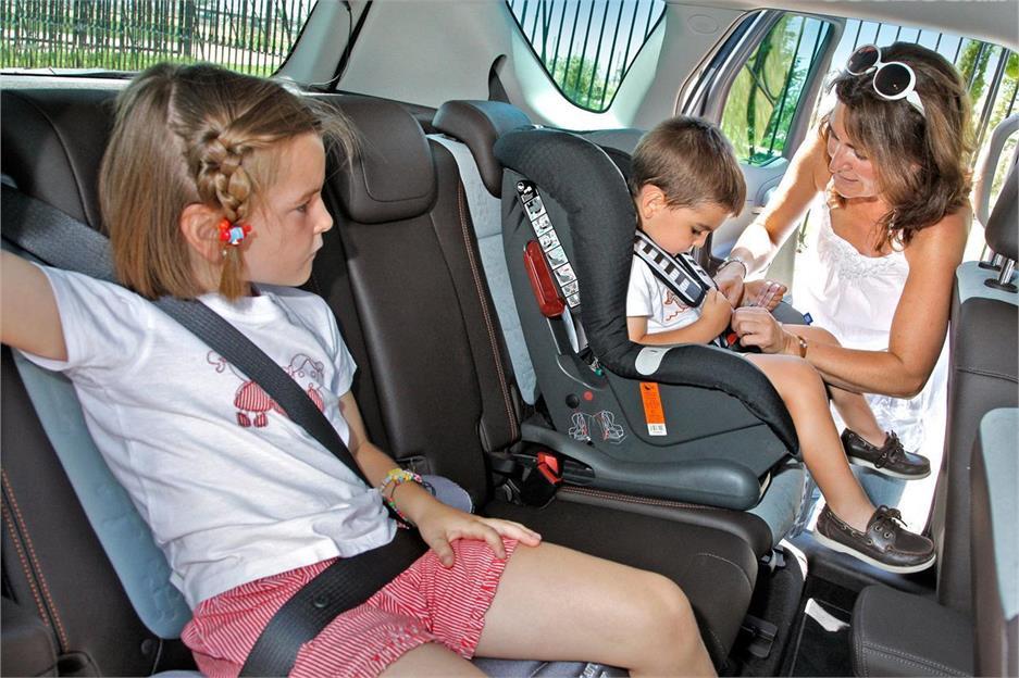La importància de la cadireta infantil al cotxe